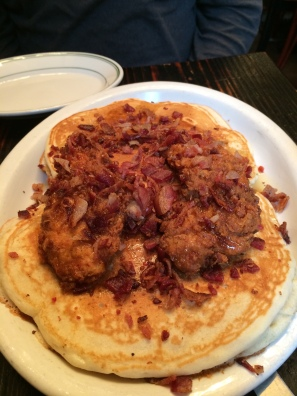 Jacob's Pickles Restaurant: Chicken and Pancakes!